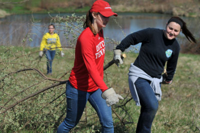 A Day to Make a Difference: Central College Service Day April 10